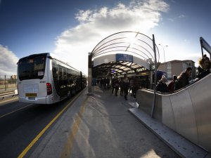 İBB, metrobüs hattında araç ve sefer sayısını artırdı