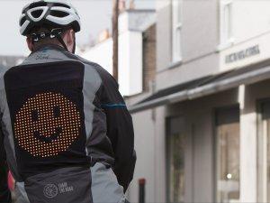 Ford'dan bisikletlilere özel dünyanın ilk 'emoji ceketi'