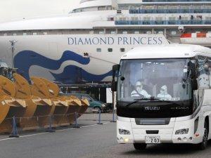 Japonya, karantinadaki gemide bulunan bazı yolcuları tahliye etti