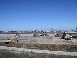 Hastane inşaatı devam eden Atatürk Havalimanı'nın 2 pisti artık yok