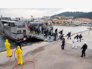 Fransız Donanması'na ait uçak gemisi karantinada
