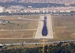 Uçaklar lodos yüzünden bir süredir atatürk havaalanı nın 05