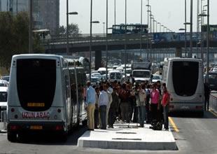 Metrobüs arızası çileye dönüştü