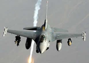 Yüksekova'da savaş uçakları hareketlendi