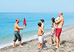 Özdere'de deniz kililiğine bayraklı önlem