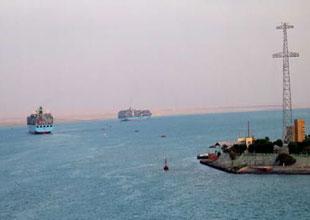 Gemilerimiz Süveyş Kanalı'na yöneldi