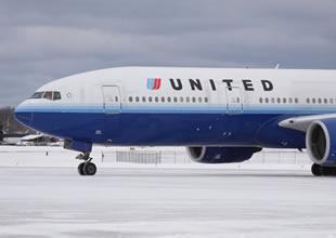 United Airlines 9 ton ağırlıkla kalkış yaptı