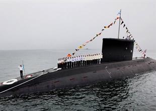 Amerika Rus denizaltısını farkedememiş!