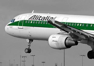 Alitalia Havayolları'nda motor arıza yaptı