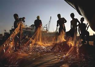 """Balıkçıların """"Vira Bismillah"""" bekleyişi"""