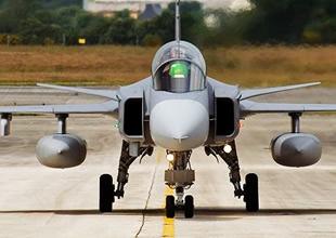 İsviçre İsveç'ten 22 savaş uçağı alacak
