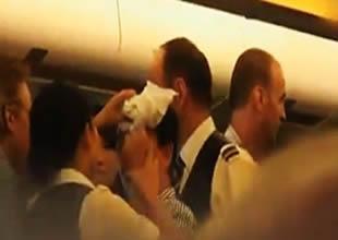 Yolcuların kavgası uçak indirdi