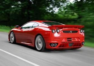 """Ferrari, Lamborghini ve Martin """"sıfır"""" çekti"""