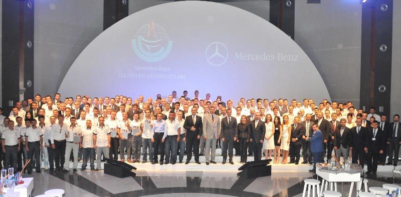 Mercedes 2012 yılının en iyi teknisyenlerini seçti