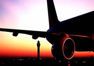 Boeing 777 tipli uçak AHL'ye acil iniş yaptı