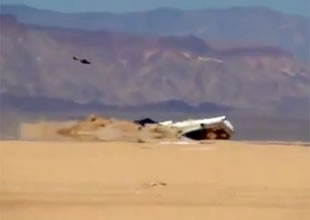 Güney Afrika'da askeri uçak düştü