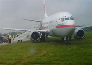 Yolcu uçağı toprak zemine çakıldı!