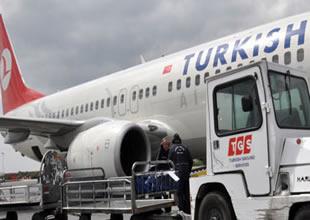 Bagaj yükleme aracı,THY yolcu uçağına çarptı