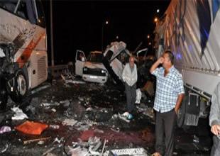 TEM'de trafik kazası: 9 ölü, 32 yaralı