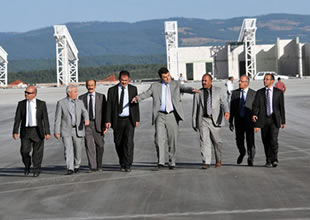 Kastamonu Uzunyazı Havaalanını gezdirdi