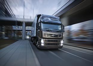 Volvo, 100 km'de 23,88 litre başarısını kutluyor