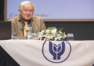 Konferansta gençlerden EXPO'ya destek istedi