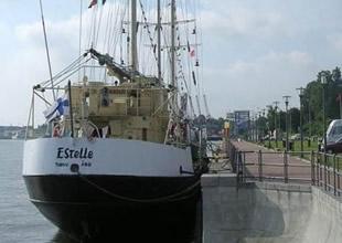 İsrail, Gazze yardım gemisine saldırdı