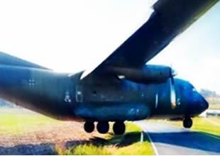Askeri uçak facianın eşiğinden döndü