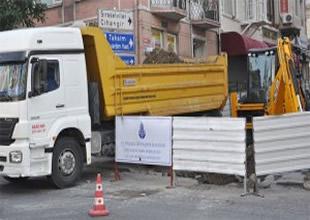 Yayalaştırma için Taksim'e kazma vuruldu