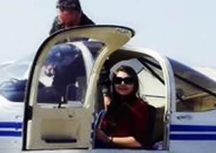Genç pilot pilotluk sertifikasını kazandı