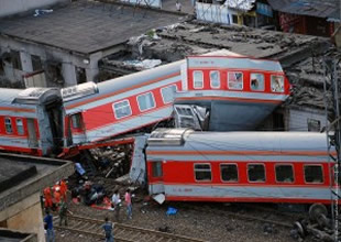 Karadağ'da tren kazası: 2 ölü, 28 yaralı