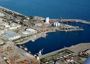 Arkas: Demiryolu limana değer katar