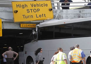 Miami Havaalanında kaza: 2 ölü, 30 yaralı