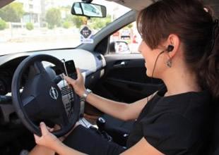 Trafikte telefonla konuşana ceza yağdı