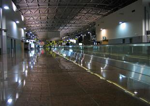 Brüksel Havaalanı'nda şok intihar