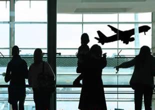 Almanya'da hava ulaşımı kaosa sürüklendi
