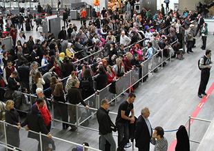 İstanbul'a uçak yağdı, çifte rekor geldi