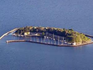 Kopenhag'da 2,5 milyon Euro'ya satılık ada