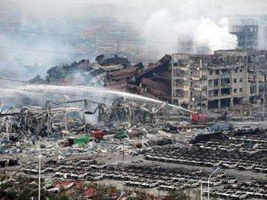 Patlamada 10 bin araç yandı, fatura 220 milyon $