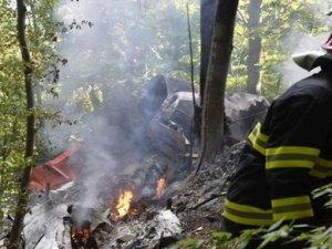 Slovakya'da iki uçak havada çarpıştı