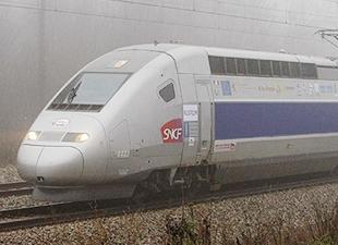 Paris trenine silahlı saldırı yapıldı