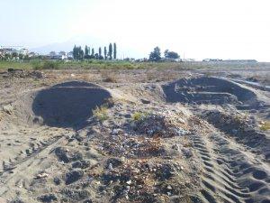 Anamur sahillerindeki kum hırsızlığı talanına kim 'dur' diyecek!