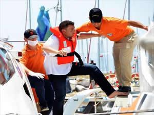 Ege' Denizi'nde yine kaçakları taşıyan tekne battı: 3 ölü