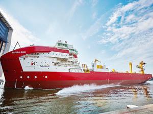 Royal IHC, kablo döşeme gemisi Sapura Rubi'yi denize indirdi