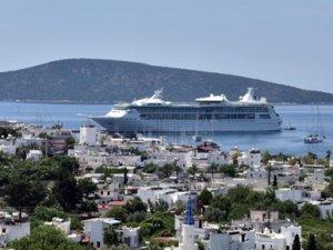 Bahama bandıralı gemi Bodrum'a geldi