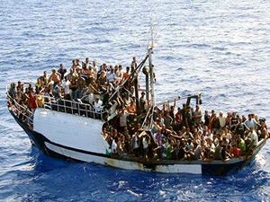 Libya'da iki göçmen teknesi battı: Yüzlerce ölü var