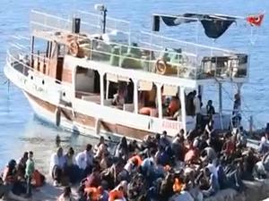 Bindikleri tekne arızalanan 164 kaçak göçmenin imdadına Sahil Güvenlik yetişti