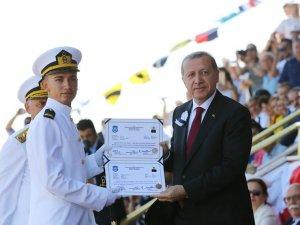 'Mavi Vatan'ın 223 yeni neferi diplomalarını aldı