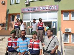 Anamur'da 31 kaçak göçmen yakalandı, 3 kişi tutuklandı