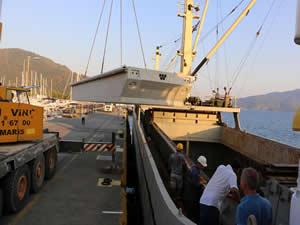 Tel Aviv'deki marinanın beton yüzer iskeleleri Türkiye'de inşa edildi